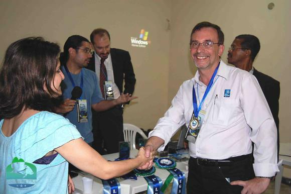 Jose Carlos Motta recebe medalha da Dra. Micheline Marcon (MPA)