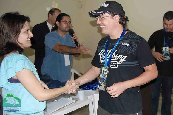 Lucio Costa recebe medalha da Dra. Micheline Marcon (MPA)